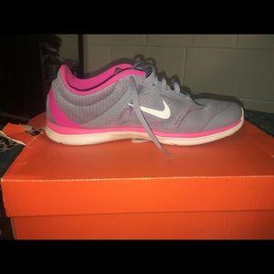Women's Nike In-season TR 5